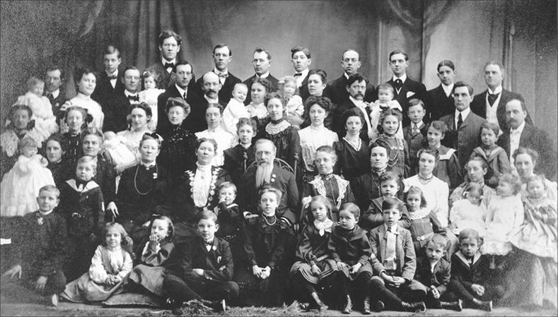 69 хүүхэд төрүүлсэн Орос эмэгтэйн маргаан дагуулсан түүх