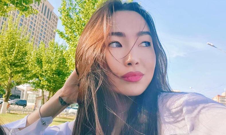 Монголын үзэсгэлэнт охид (100 фото) №162