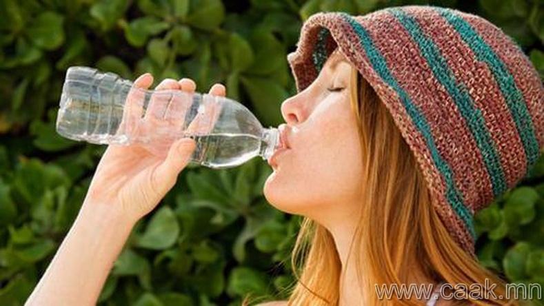 Өдөр бүр 2 литр ус уух.