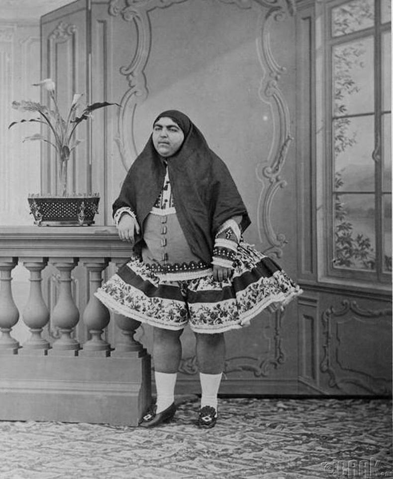 Ираны шейх Кажарын гүнж гоо үзэсгэлэнгийн бэлгэ тэмдэг байсан