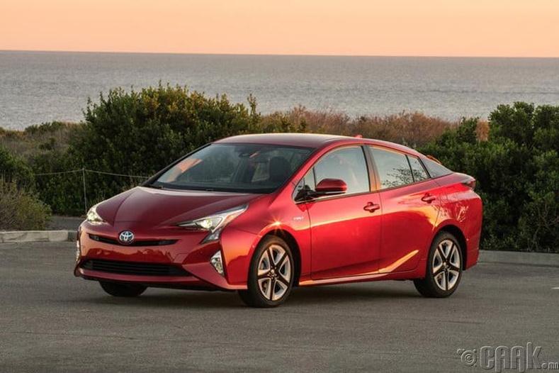 """""""Toyota Prius""""- Бүх талаараа хамгийн найдвартай машин"""