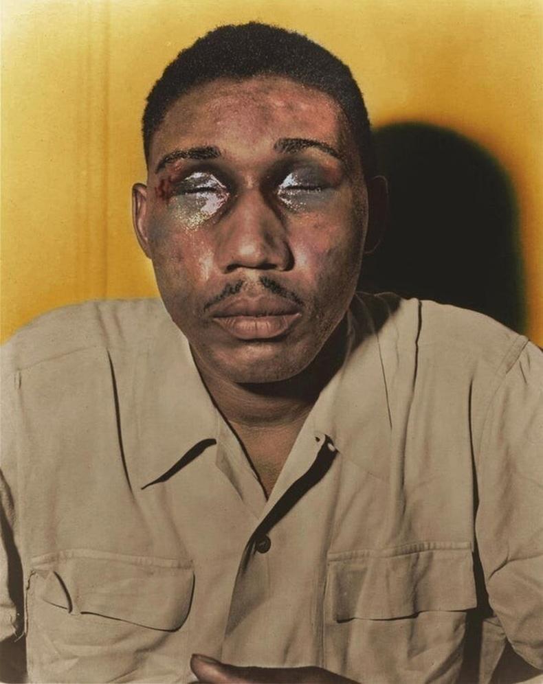 Дэлхийн II дайнд оролцсон Африк гаралтайАмерик дайчин Исаак Вудард