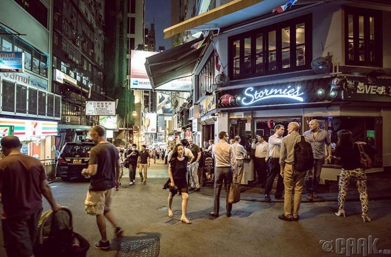 Хонгконгд зөвхөн хятадууд амьдардаг