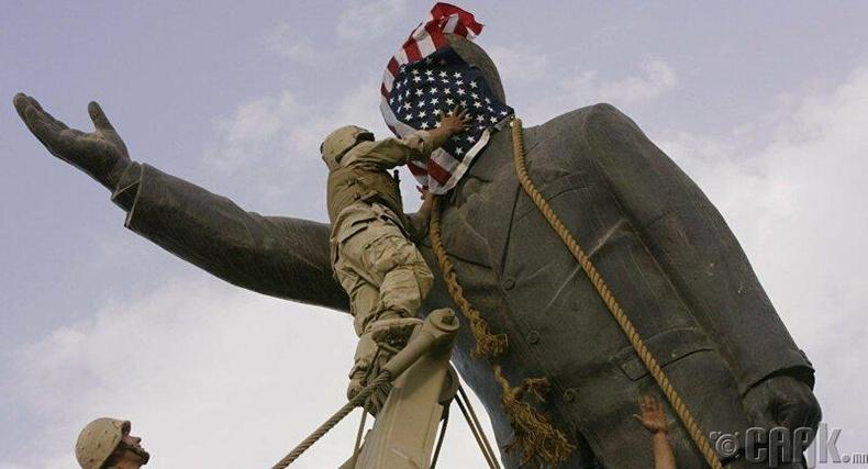 Саддам Хуссейний хөшөөг устгав