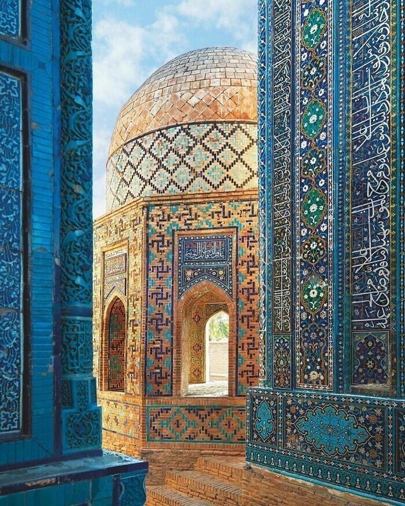 Узбекистаны Самарканд дахь Шахи-Зинда цогцолбор