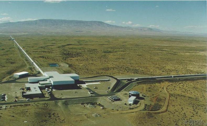"""""""LIGO"""" таталцлын долгион бүртгэгч"""