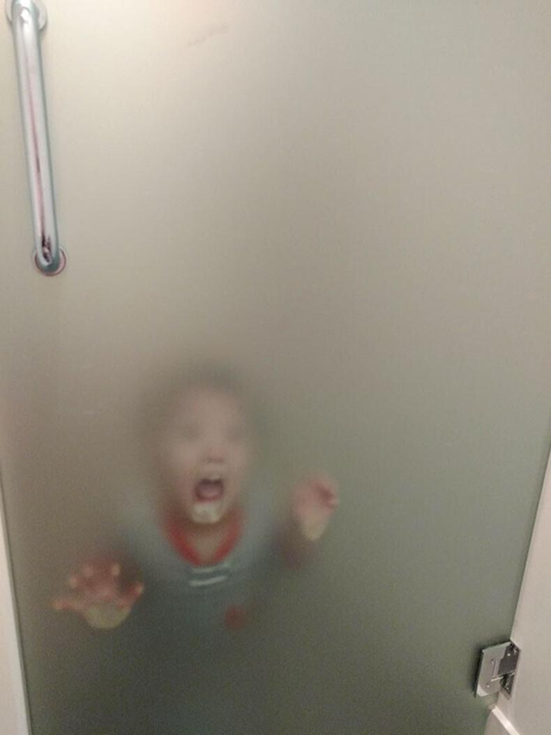 Угаалгын өрөөнд удтал хүү маань ингэж байна