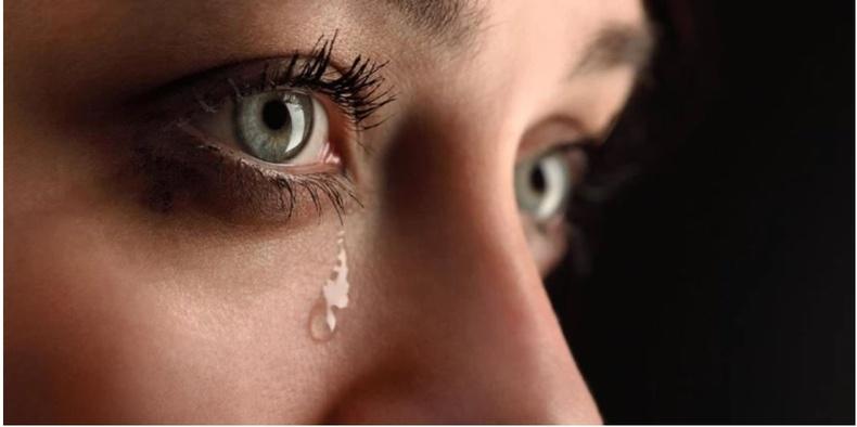 Яагаад эмэгтэйчүүд илүү уйлдаг вэ?