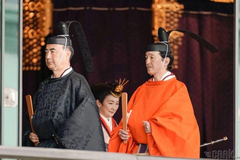 Эзэн хаан Нарухитогийн дүү, угсаа залгамжлах хунтайж Акишино