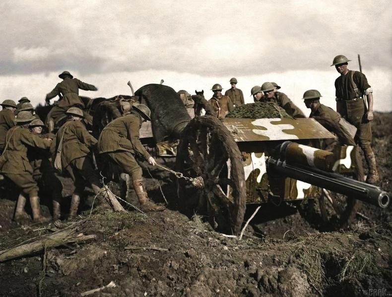 Пашендалийн давшилтын үеэр их буу байрлуулж байгаа нь, 1917