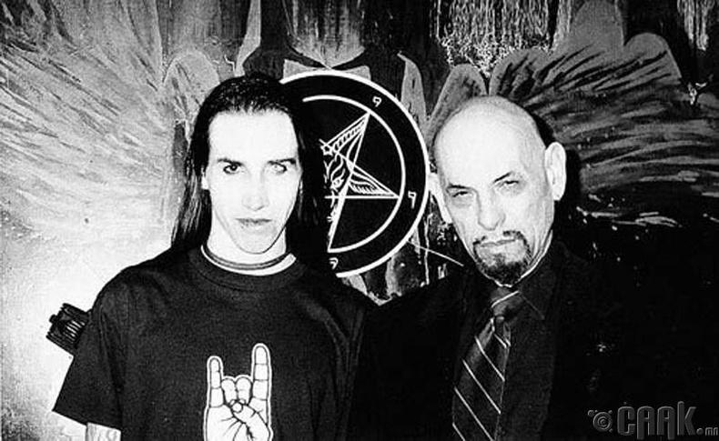Дуучин Мэрилин Мэнсон (Marilyn Manson) Антон Шандор ЛаВей (Anton Shandor LaVey)-ийн хамт