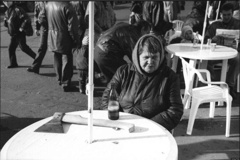 Шар айраг уун суух эмээ - Киев