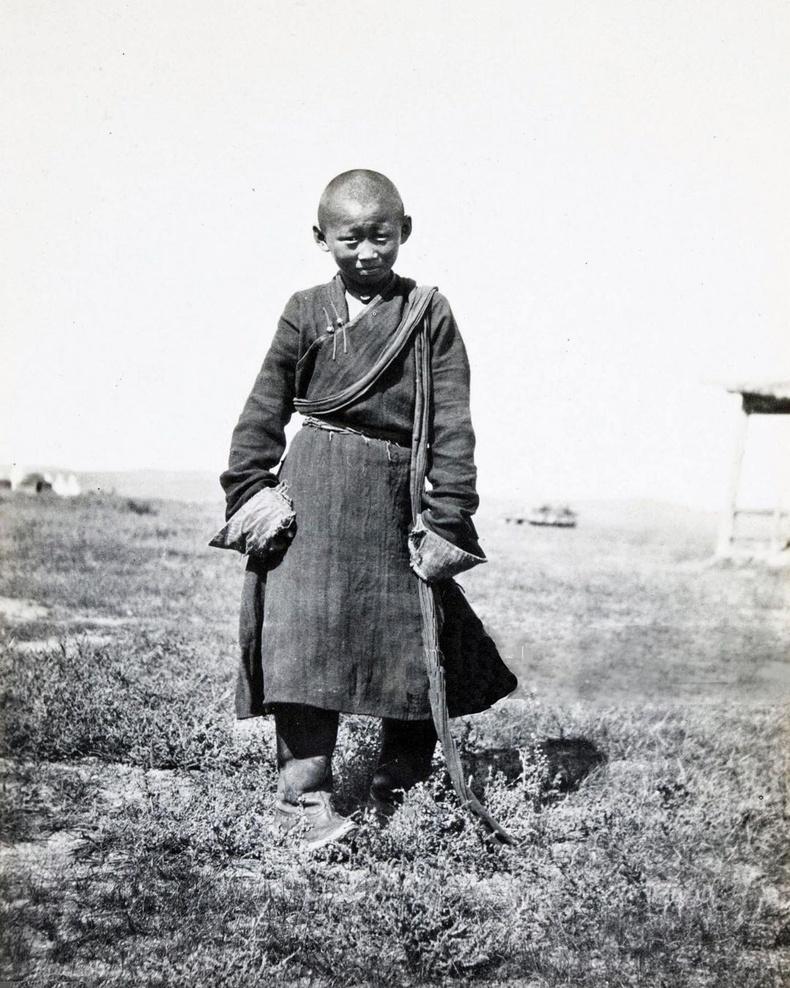 Түшээт хан аймгийн Сүжигт гүний хошууны лам хүү. 1913 он