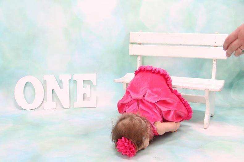Бяцхан охиныхоо нэг насны төрсөн өдрөөр мартагдашгүй зураг буулгажээ
