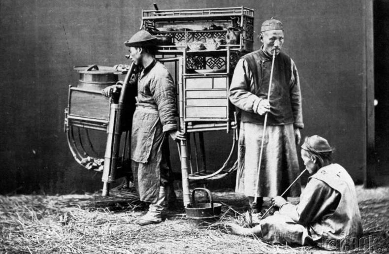 Хар тамхины наймаачин ба үйлчлүүлэгчид, 1900-аад он