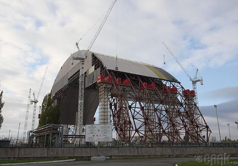 Чернобыль атомын цахилгаан станцын үлдэгдэлийг тусгаарлах байгууламж, Украин - 1986 он