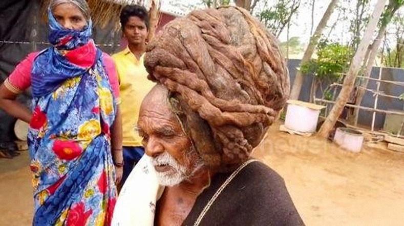 """Амьдралдаа нэг ч удаа үсээ авахуулж байгаагүй эр Энэтхэгт """"амьд бурхан"""" болжээ"""