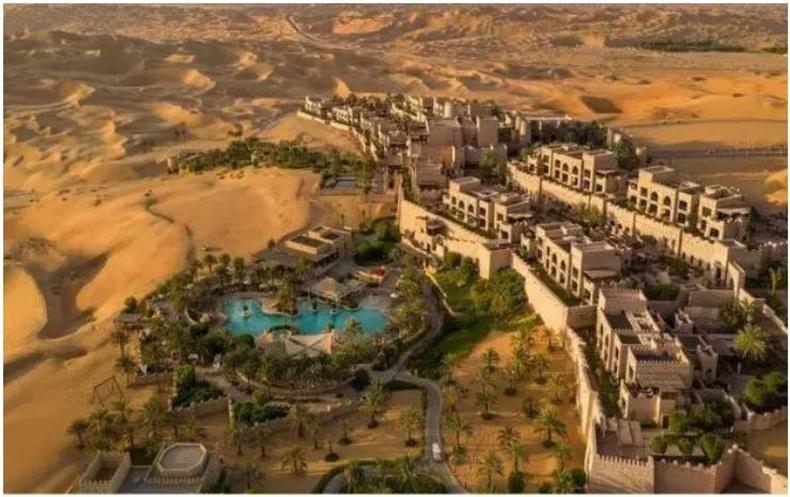"""""""Qasr Al Sarab"""", Арабын Нэгдсэн Эмират"""