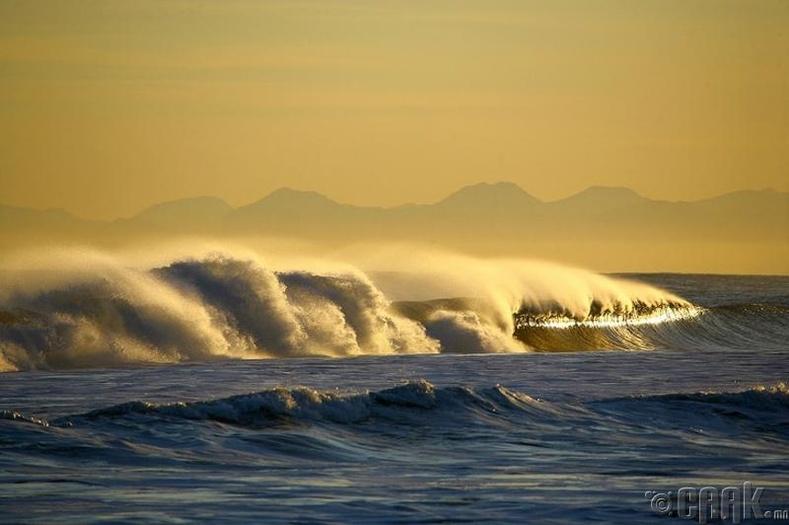 """Номхон далайг яагаад """"номхон"""" гэж нэрлэдэг вэ?"""