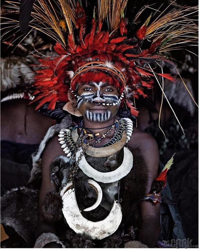 Папуа Шинэ Гвинэйн Жувари овгийн эрэгтэй