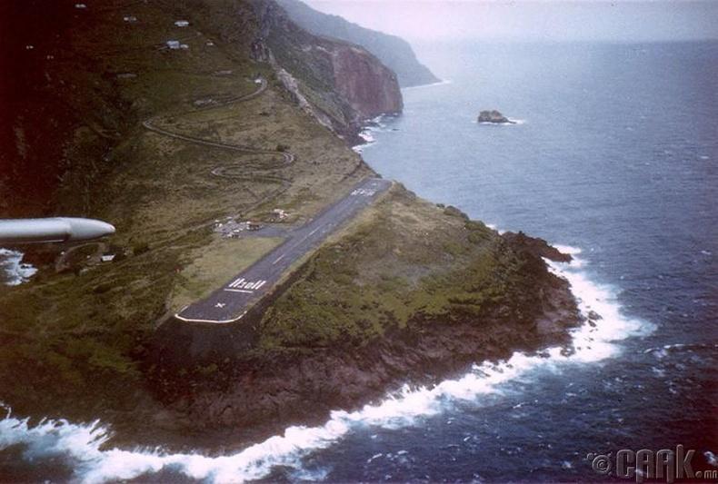 Саба арал дээрх нисэх онгоцны буудал