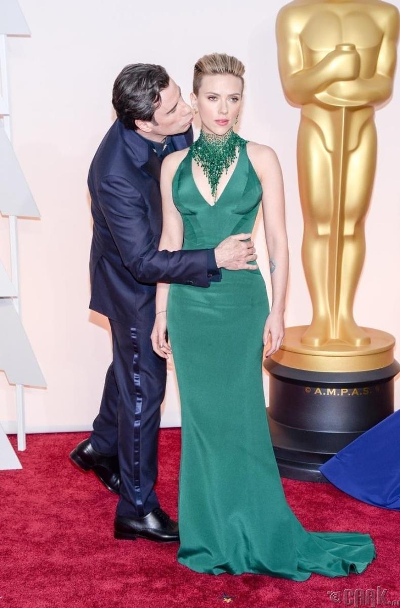 Азгүй үнсэлт – Жон Траволта  (John Travolta)
