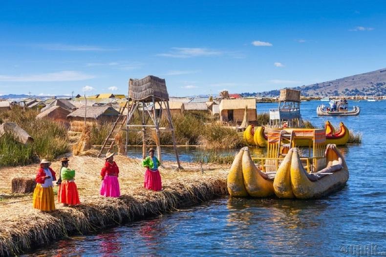 Титикака нуурын хөвдөг арлууд, Болив, Перу