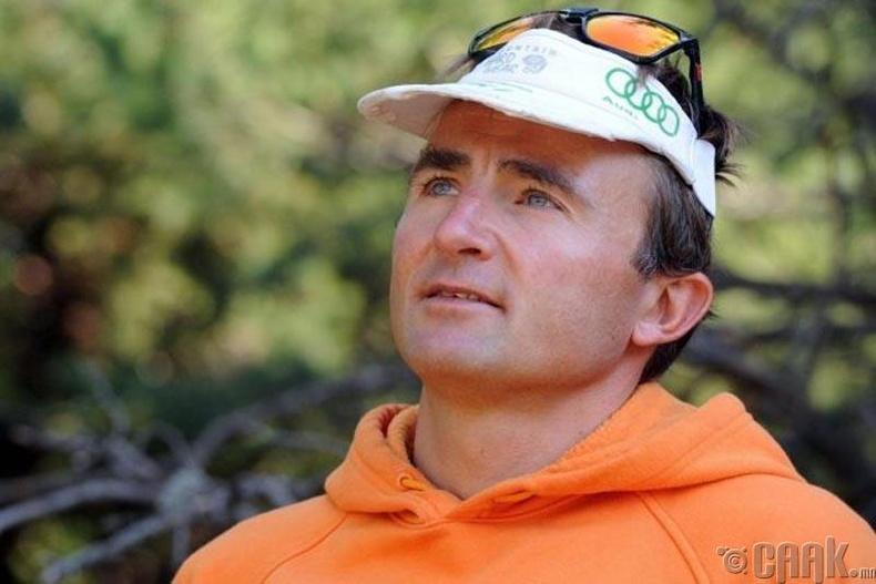 Эверестэд авирахаасаа өмнө хорвоог орхисон Ули Штек