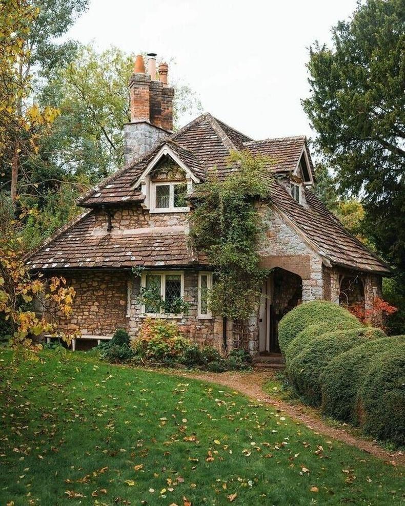 Английн чулуун байшин