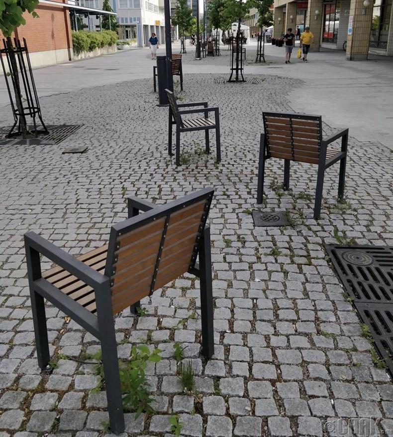 Бие биенээ харахыг хүсээгүй хүмүүст зориулсан сандал - Финлянд