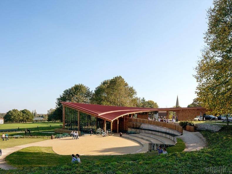 Шервүүд ойн жуулчдын төв(Sherwood Forest Visitor Centre)