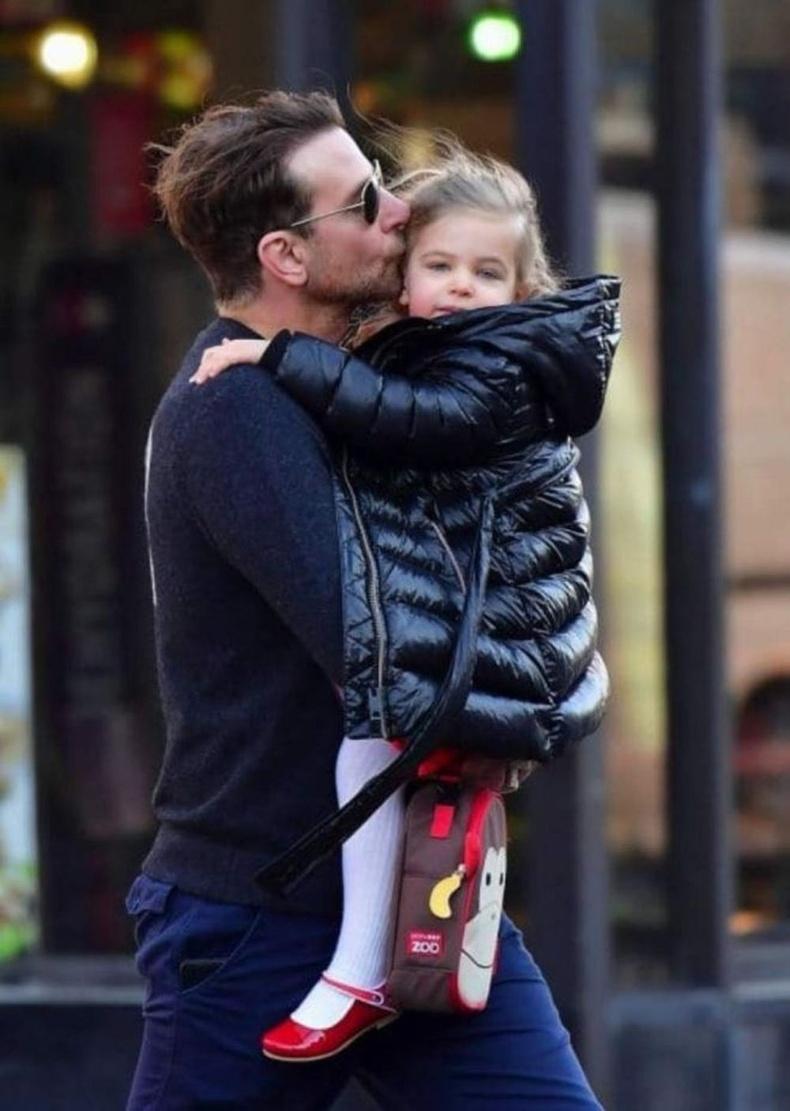 Ирина Шейк ч түүнийг хамгийн сайн аав гэдгийг хүлээн зөвшөөрдөг.