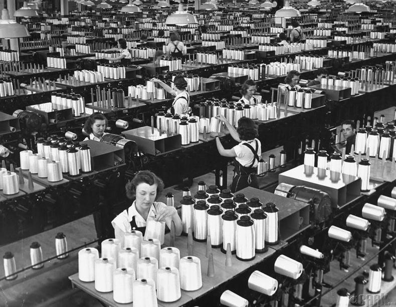 Маргарет Боурке-Уайт (Margaret Bourke-White 1904 оны 6 сарын 14 - 1971 оны 8 сарын 27)