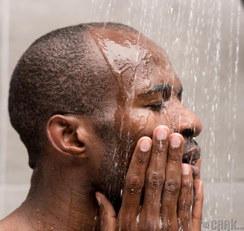 Нүүрээ хамгийн эхэнд угаадаг бол:
