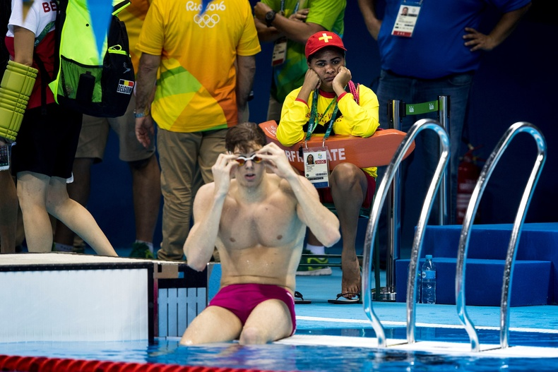 Олимпын усанд сэлэлтийн тэмцээний аврагч
