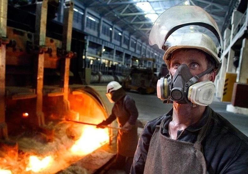 Гангийн үйлдвэрийн ажилчид - Мөнхийн халуун дунд ажиллана