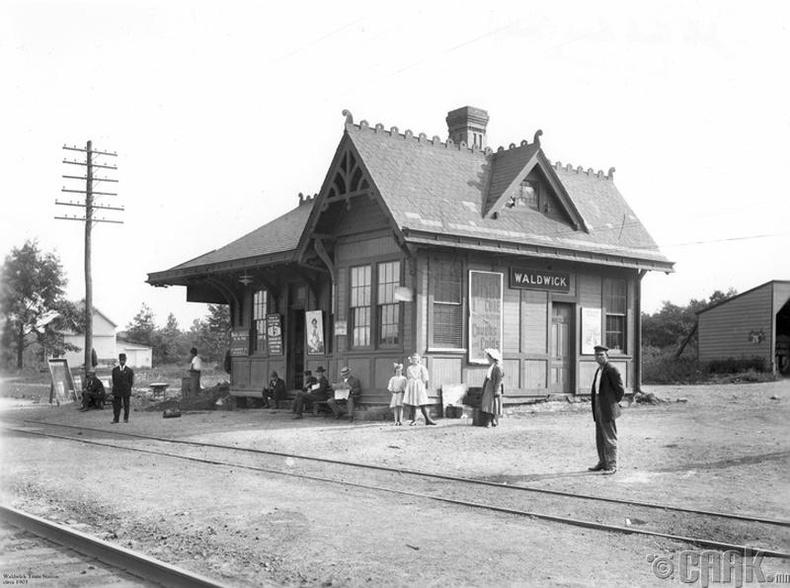 Валдвикийн галт тэрэгний буудал - 1903 он