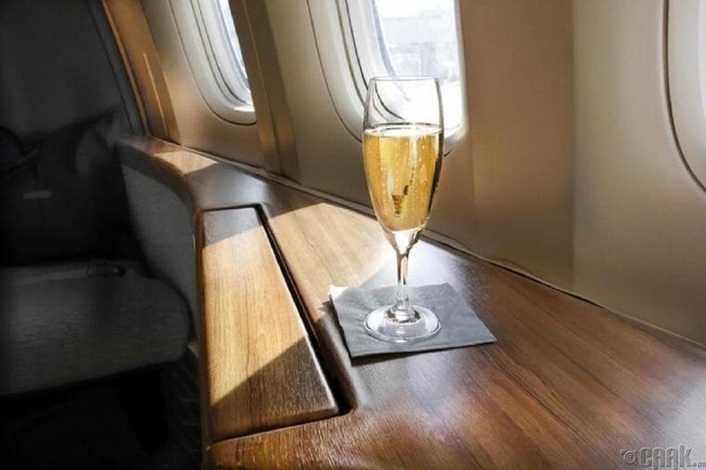Онгоцонд уух хэрэггүй