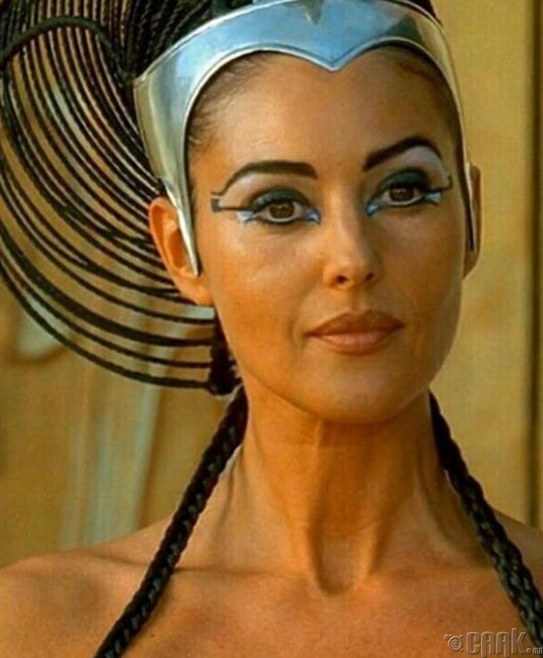 Моника Беллучи - Asterix & Obelix: Mission Cleopatra (2002)