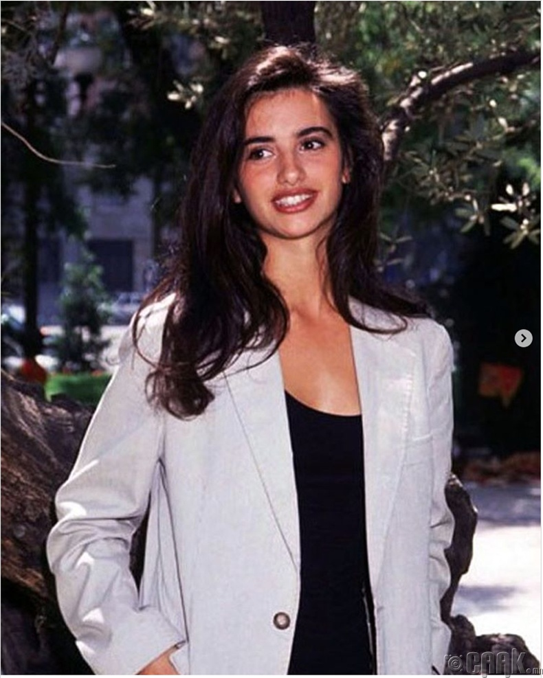 Жүжигчин Пенелопа Крус (Penelope Cruz) - 1993 он