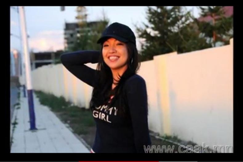 Монгол охидын шилдэгvvд Youtube дээр