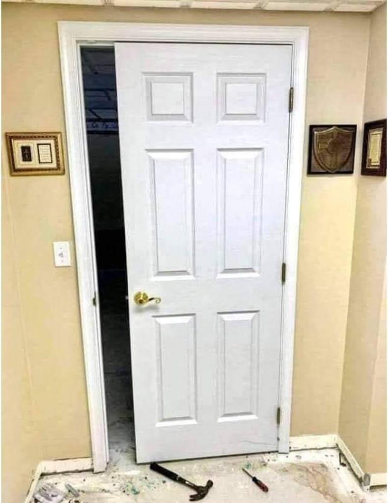 """""""Өөр хаалга байсангүй"""""""