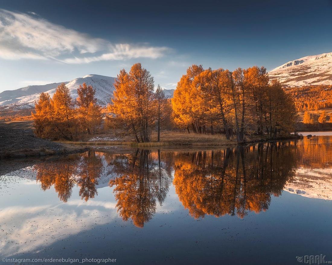 Алтайн нурууны алтан намрын өнгө. Баян-Өлгий аймаг