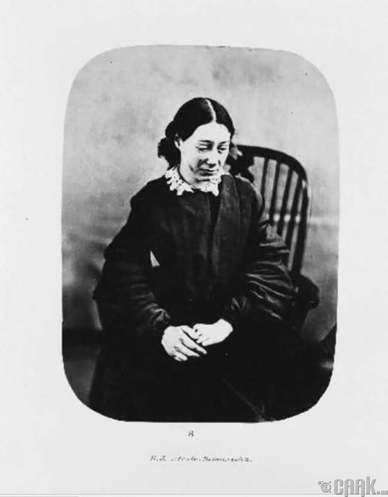 """Элиза Жозолин - """"хүнд хэлбэрийн сэтгэл гутрал"""" (меланхоли) өвчнөөр 1856 онд эмнэлэгт хэвтжээ."""