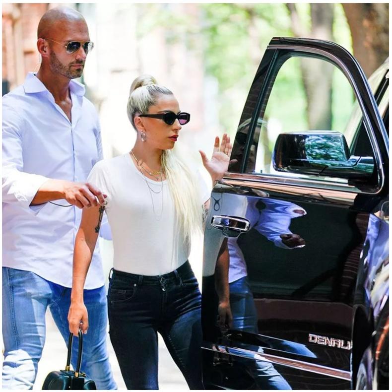 Леди Гага (Lady Gaga) - жилд 125 мянган ам.доллар