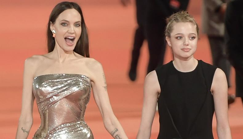 Анжелина Жоли охидынхоо хамт Ромын улаан хивсний ёслолыг чимэв