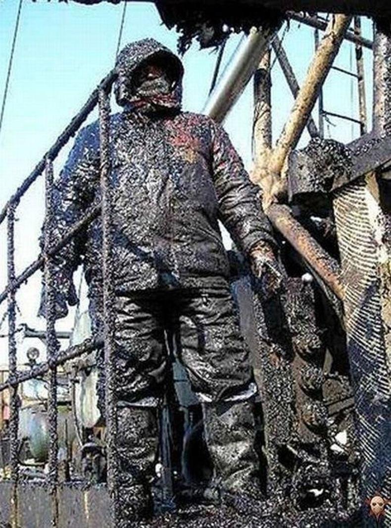 Газрын тос олборлогчид