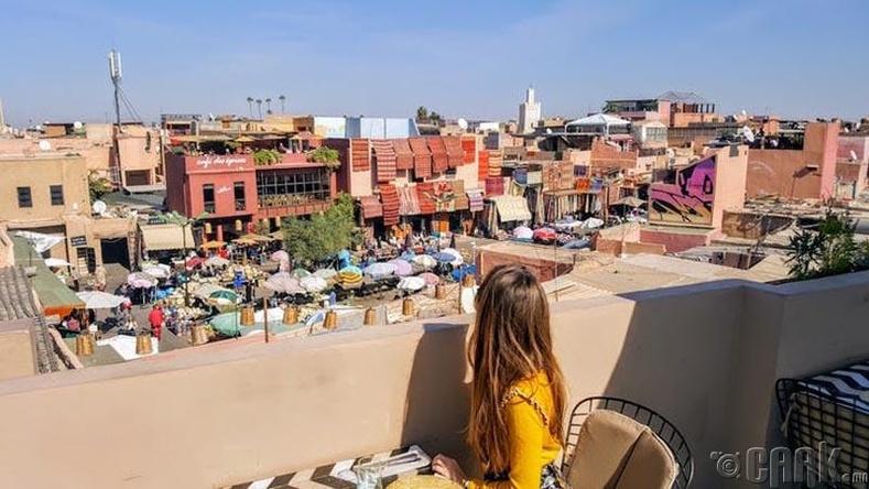 Мароккод камераа хураагаарай