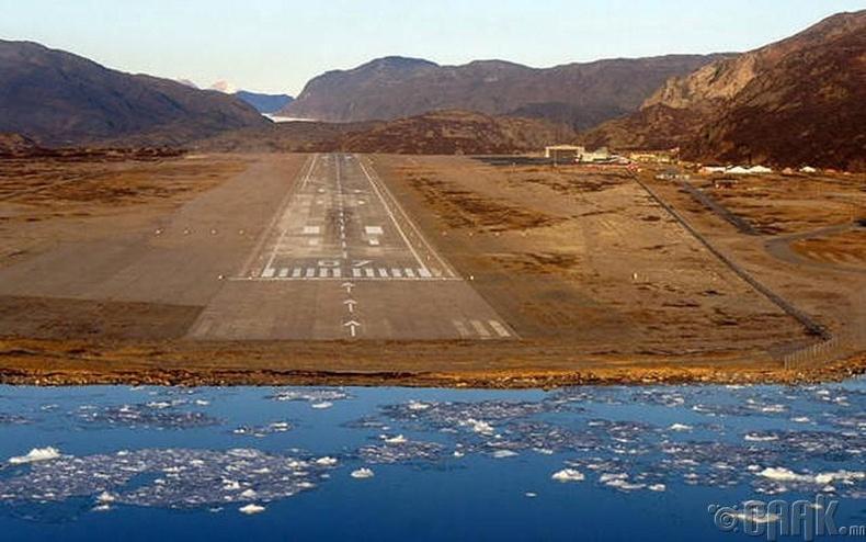 """""""Нарсарсуак"""" нисэх онгоцны буудал, Гринланд"""