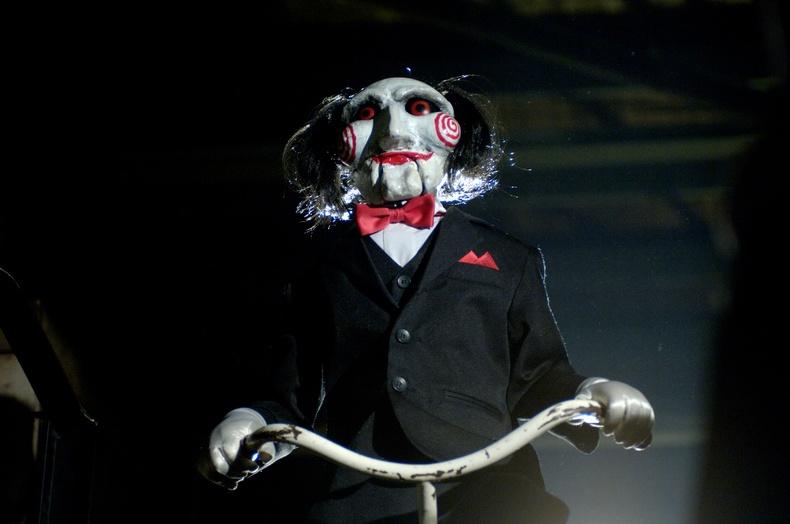 Хүмүүс яагаад аймшгийн кинонд дурладаг вэ?